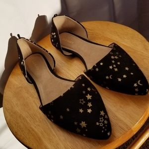 Old Navy Black and Star Print Pointed Flats